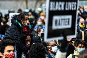 """Qué es el """"racismo climático"""" y cómo impacta en Estados Unidos"""