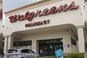 Walgreens te da $25 por ponerte la vacuna del COVID-19