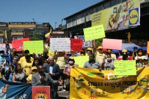 Vendedores ambulantes de Queens temen que vuelvan las multas y la persecución policial ante reapertura económica de NY