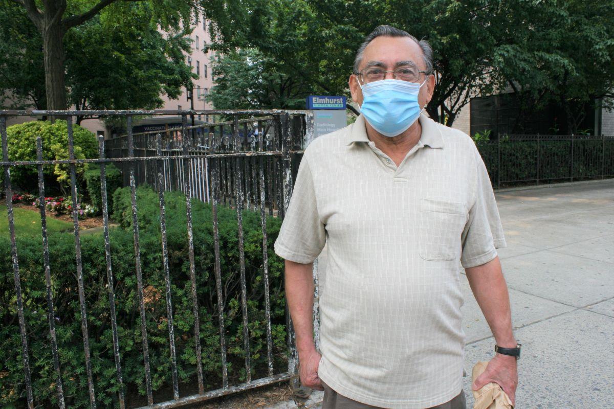 """Vacunarse o pruebas de COVID-19 será una condición """"no negociable"""" para los trabajadores de hospitales de NYC"""