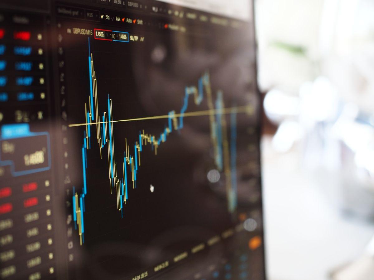 La incipiente recuperación económica está duda y los mercados reaccionaron ante temor de cepa más contagiosa.