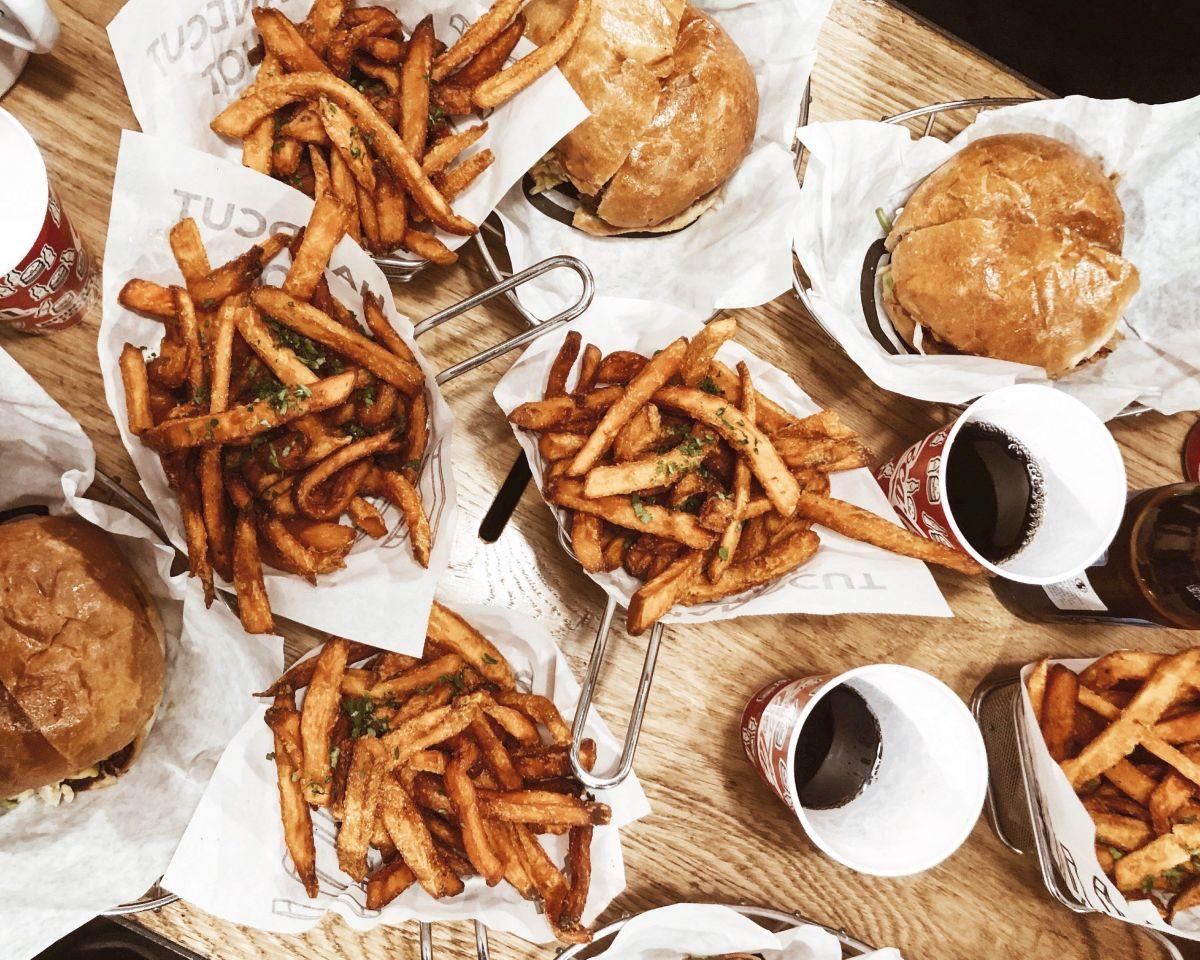 Conoce más sobre los restaurantes de comida rápida que están dando la vuelta al mundo y que su popularidad está creciendo como la espuma.