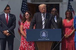 """Trump lidera demanda colectiva contra Facebook, Google y Twitter al acusar censura y """"listas negras"""""""