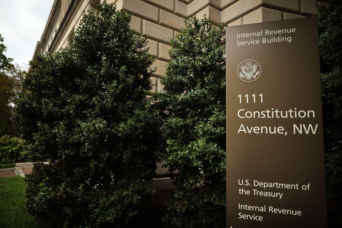 El IRS es la agencia encargada de distribuir los fondos de varios de los programas de ayuda económica bajo las leyes de estímulo aprobadas en el Congreso federal.