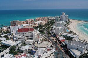 Bombero de Texas es hallado muerto en baño de hotel de Cancún en viaje por aniversario de bodas