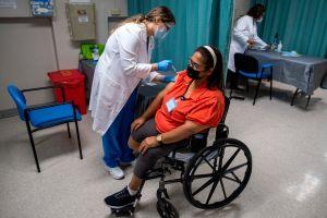 Cheque de $2,000 para miles de trabajadores esenciales en Puerto Rico que laboraron presencialmente durante la pandemia