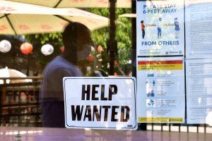 IRS: Millones reciben desde hoy reembolsos bajo exclusión de $10,200 en pago de impuestos por desempleo