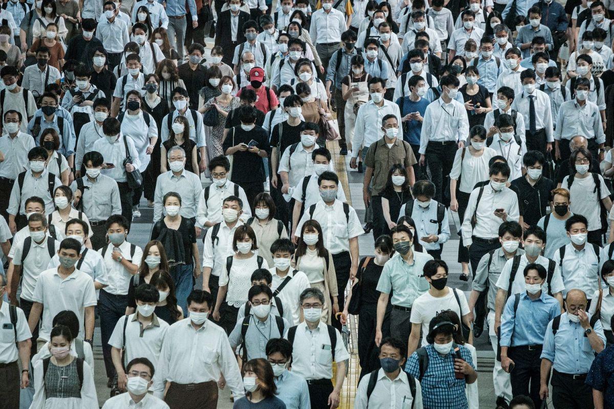 Las vacunas, el uso de mascarillas, la higiene de manos y la distancia social siguen siendo las medidas más eficaces para evitar el contagio de COVID-19.