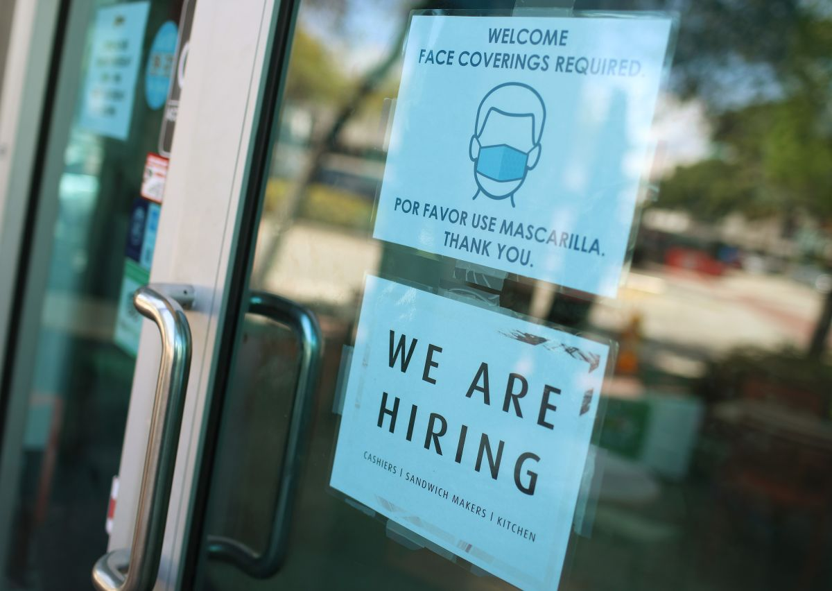 Algunos estadounidenses prefieren agotar los fondos de desempleo antes de enfocarse en la búsqueda de trabajo.