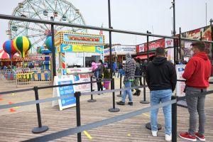 Visitante de Luna Park en Coney Island termina con sangrado cerebral por golpiza de guardia de seguridad