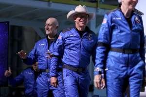 Después de viajar al espacio, Jeff Bezos quiere construir una base lunar para la NASA