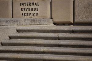 IRS: Próxima semana llegarán más cheques de estímulo y reembolsos bajo exención en pago de impuestos por desempleo