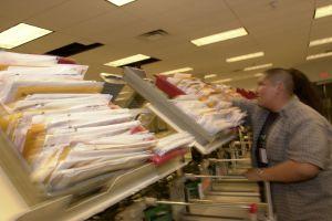 IRS ya ha enviado casi 7 millones de reembolsos bajo exención fiscal de $10,200 en pago de impuestos por desempleo