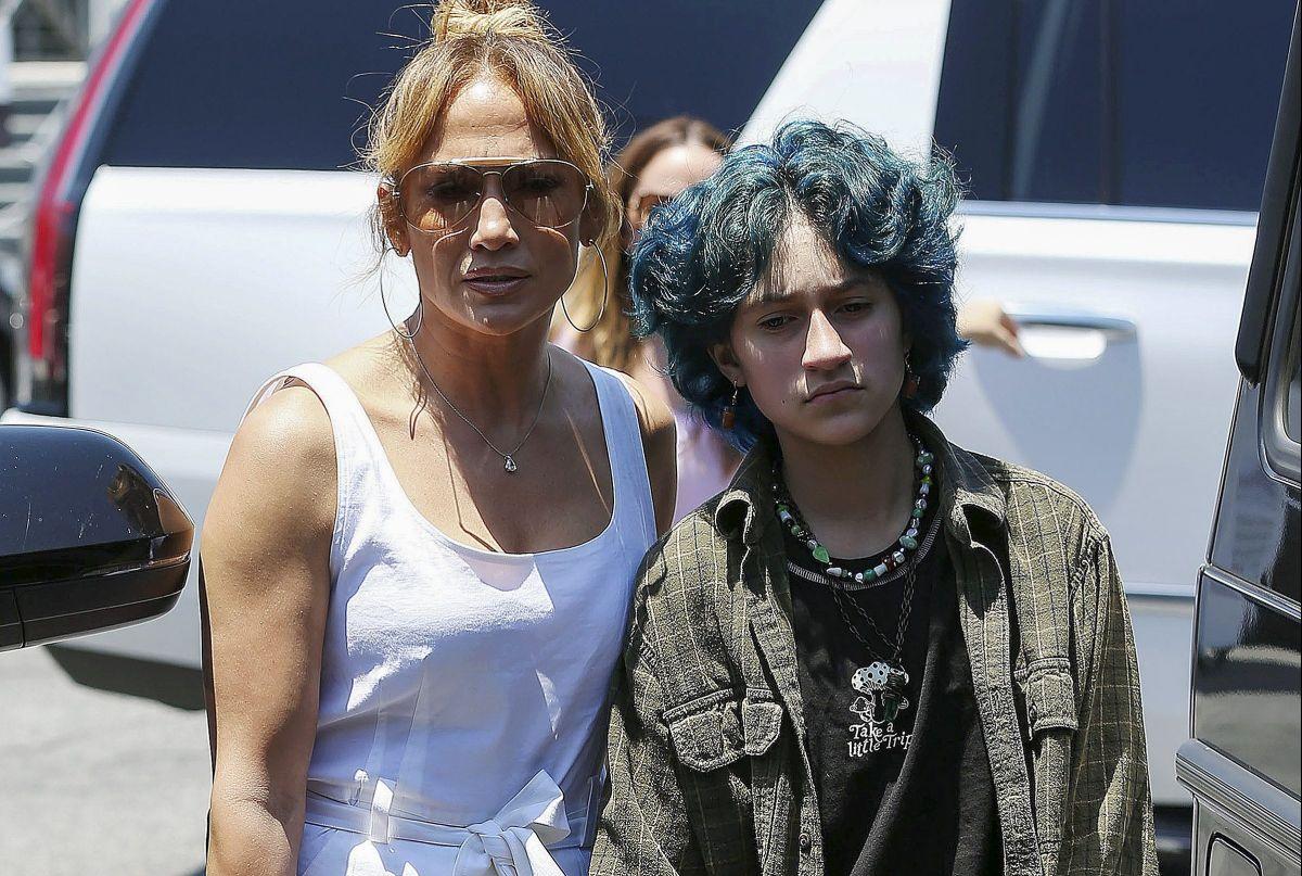 Hija de Jennifer Lopez y Marc Anthony, Emme, triunfa en las redes sociales con un look rockero