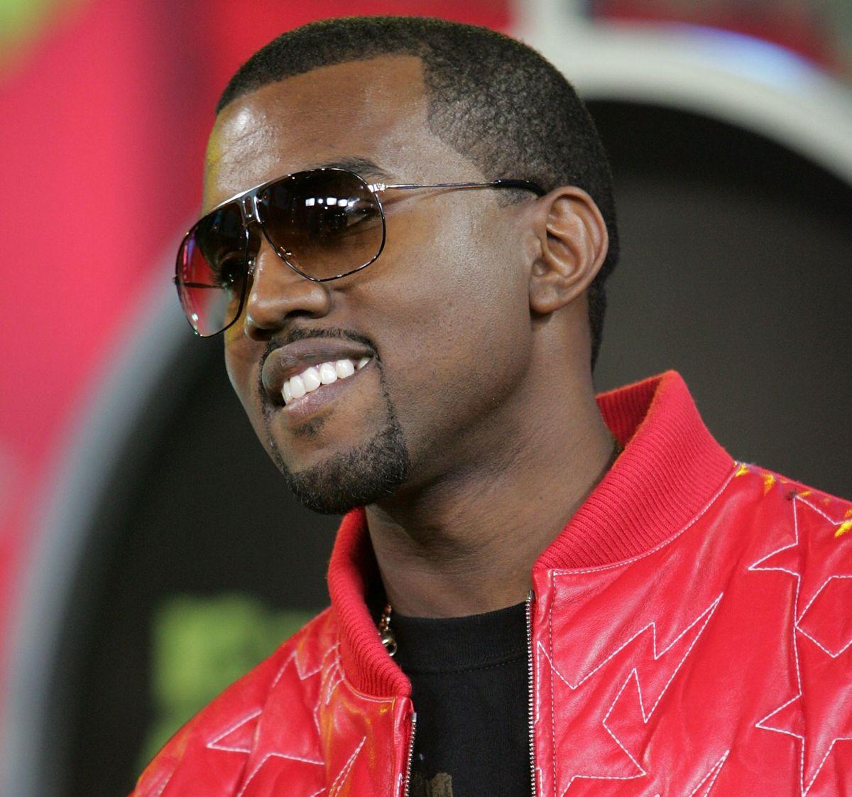 Venden por $3 mil dólares bolsas con aire de una fiesta que hizo el ex de Kim Kardashian, Kanye West.