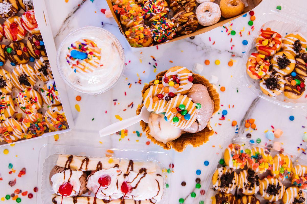 Un postre de más de 1,700 calorías por vaso es simplemente inaceptable, su excesivo consumo se asocia con un alto contenido en azúcar, grasas saturadas, carbohidratos y sodio.