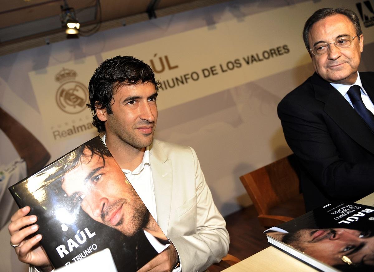 Raúl fue capitán del Real Madrid y es el segundo máximo goleador histórico.
