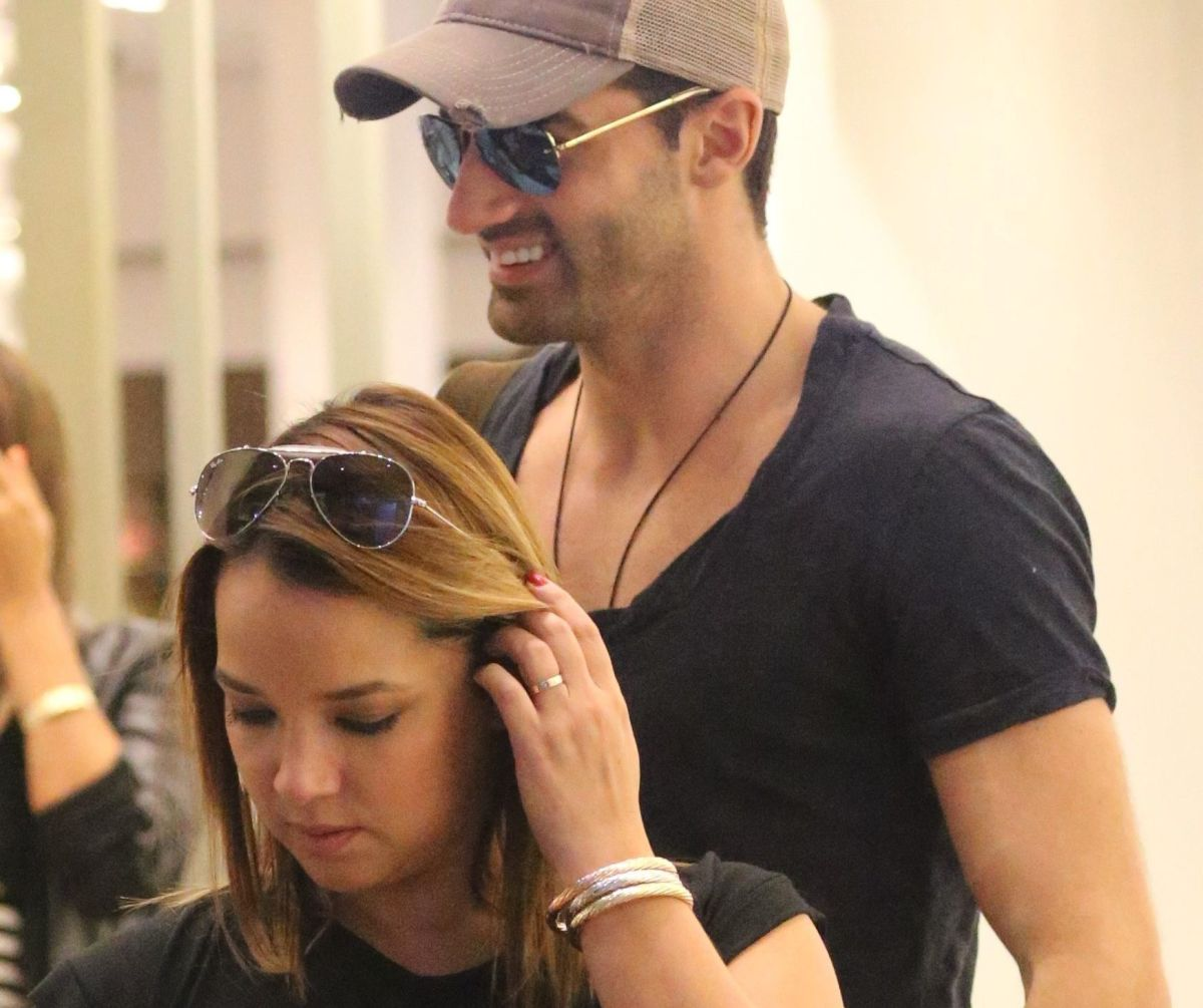 The ex of Adamari López, Toni Costa, unleashes rumors of love and flirting with a blonde according to Gossip No Like