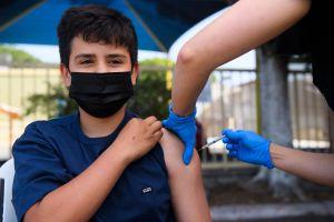 Vacunarán a los adolescentes que acuden a los programas de verano 'Summer Rising'