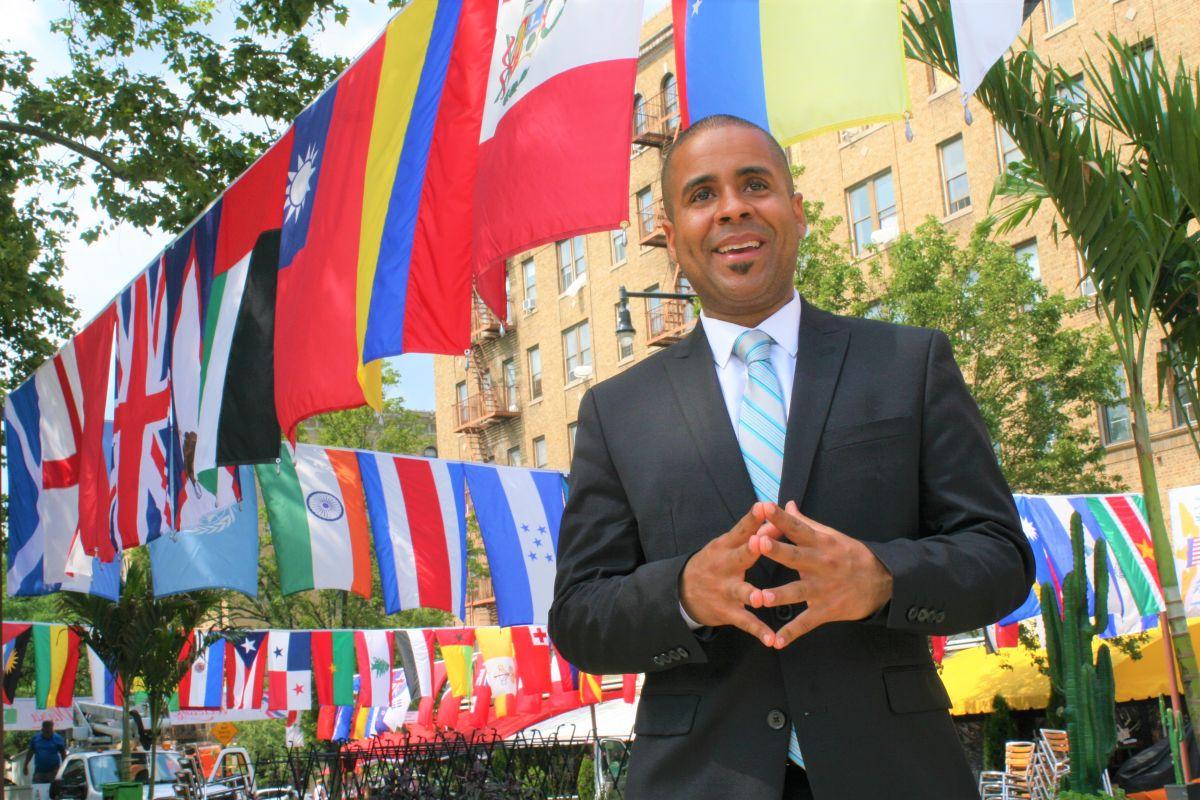 El músico Willy Rodríguez, de padres dominicanos, forma parte de la iniciativa educativa que arrancó este verano