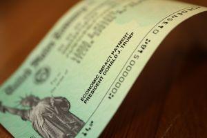 Cuarto cheque de estímulo de $2,000 al mes: la petición llega casi a los 3 millones de firmas