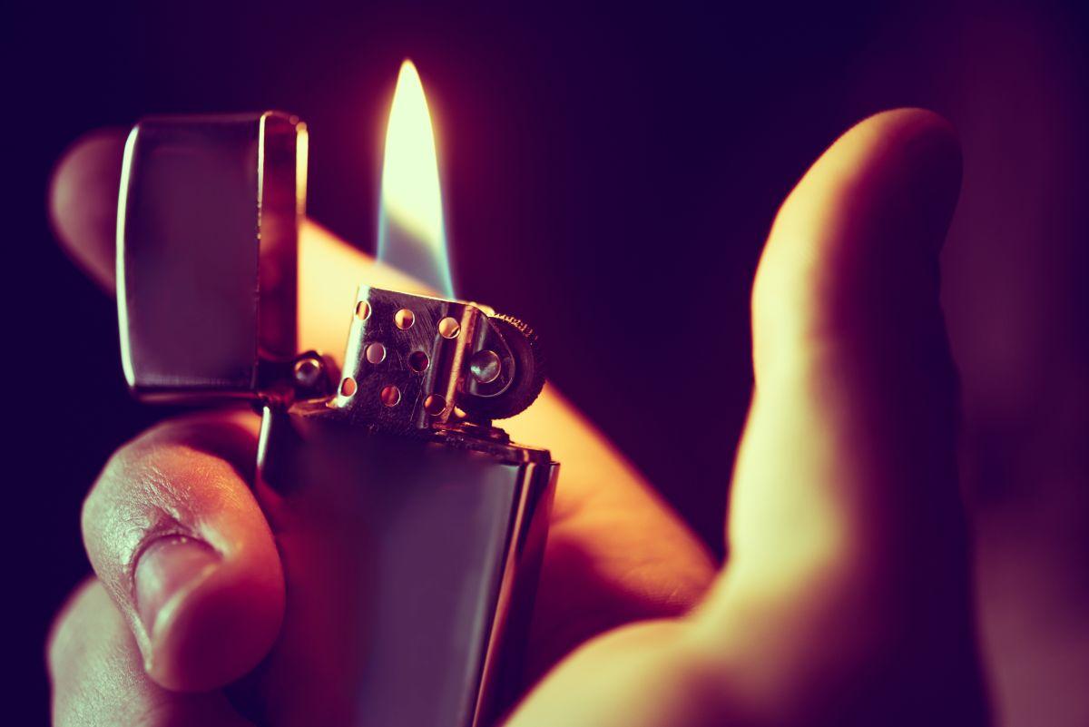 "Se prende fuego ""en castigo"" por haber sido infiel"