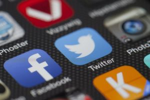 Juez federal bloqueó una nueva ley de Florida que busca castigar a empresas de redes sociales que censuren a políticos