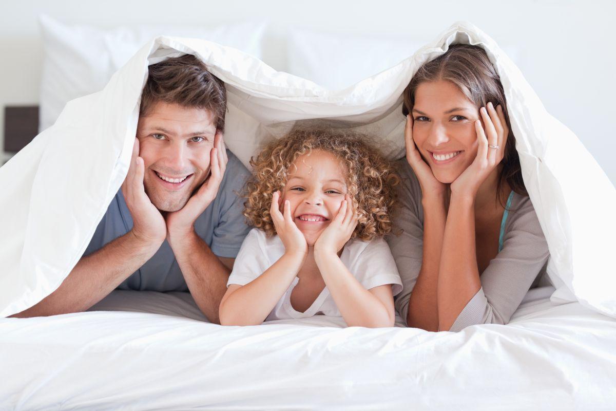 ¿Sería tu sueño tan tranquilo si supieras lo que puede rondar entre tus sábanas?