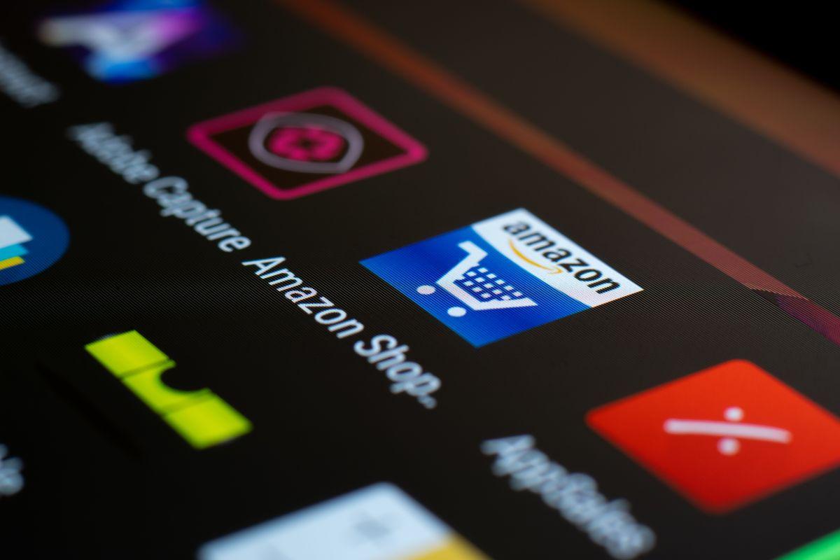 Según información periodística Amazon se está preparando para dar el salto a las tiendas físicas en Estados Unidos.