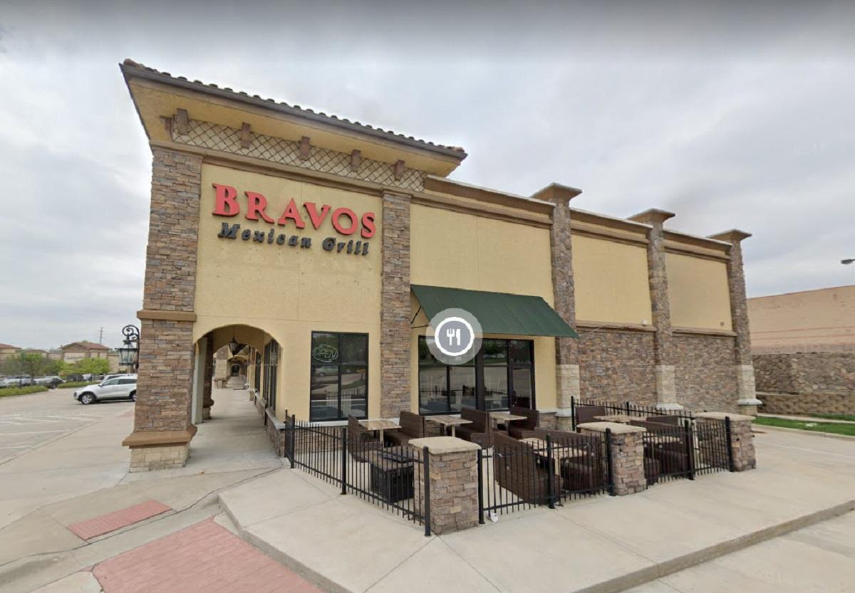 El restaurante  Bravos Mexican Grill en Overland Park, Missouri, era parte del esquema delicuencial.