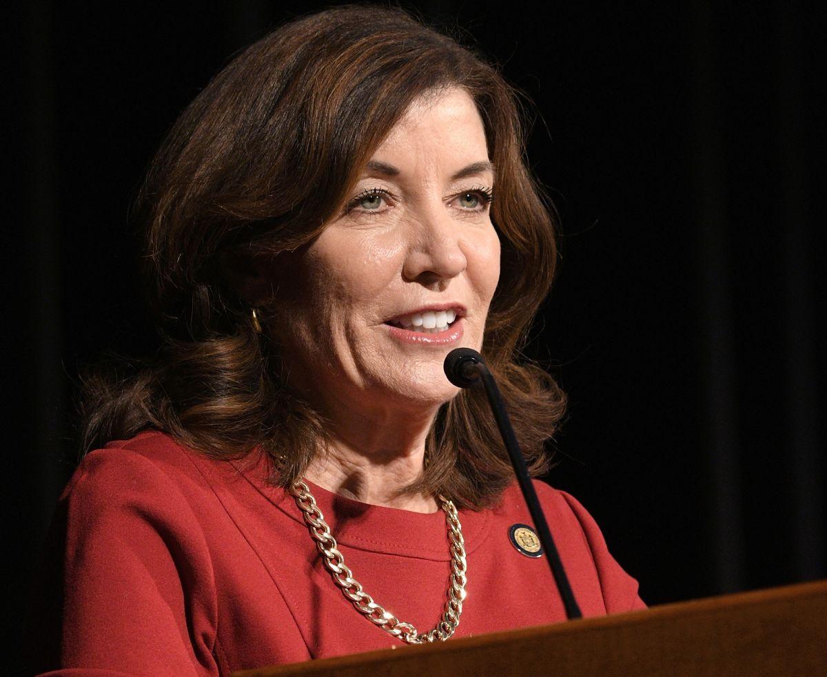 Nueva York rumbo a tener su primera gobernadora en la historia: Kathy Hochul sustituiría a Cuomo hundido por escándalo de acoso sexual