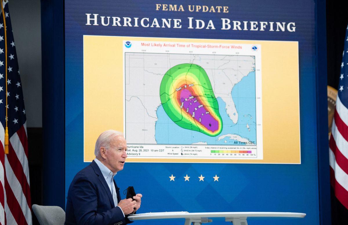 El presidente Biden reconoció el poder del huracán Ida y ordenó acciones de prevención para salvar vidas.