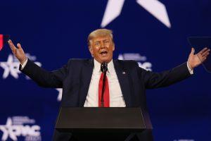 Trump recauda más de $100 millones camino a las elecciones