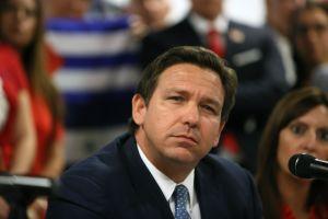 ¿Quién es Ron Desantis? El gobernador antimascarilla en el epicentro del Covid-19