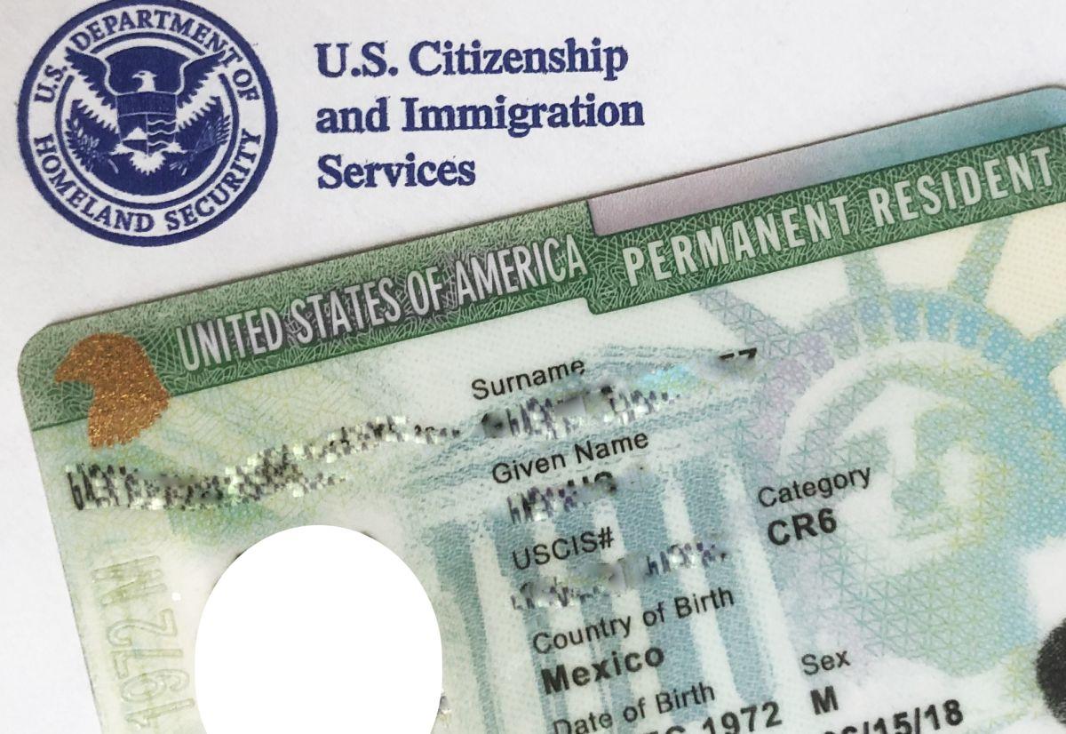 Los solicitantes de 'green card' deben estar completamente vacunados.