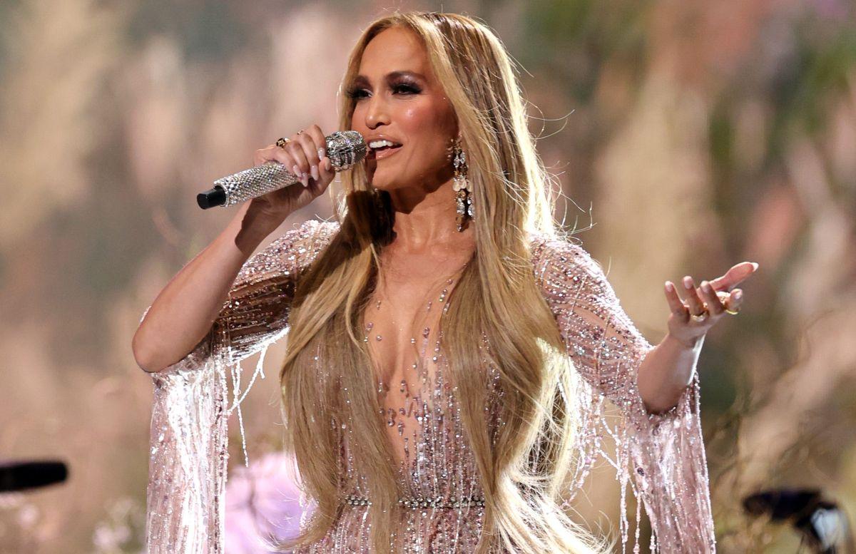 Jennifer Lopez sin Ben Affleck pero llena de joyas desde Venecia.