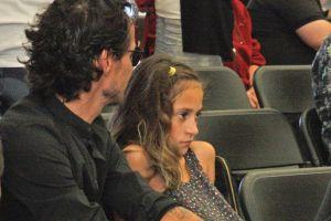 Marc Anthony saluda a paparazzi pero su hija con JLO, Emme, le hace el feo