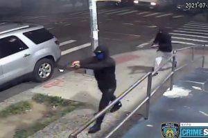 Tiroteo deja varios heridos frente a lavandería en Queens
