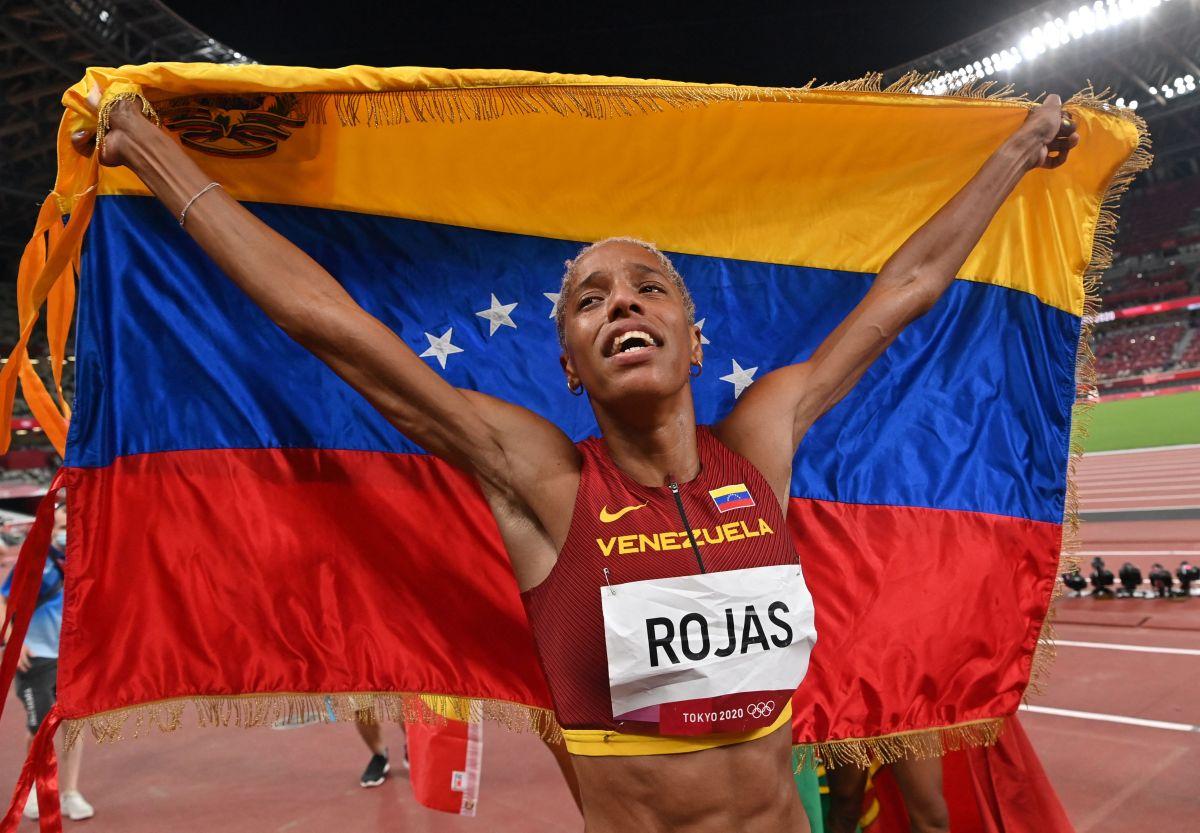 Yulimar Rojas btió todos los registros posibles en la historia del salto triple femenino.