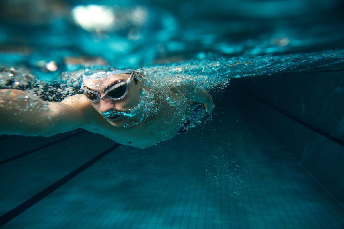 La natación es uno de los ejercicios más completos.