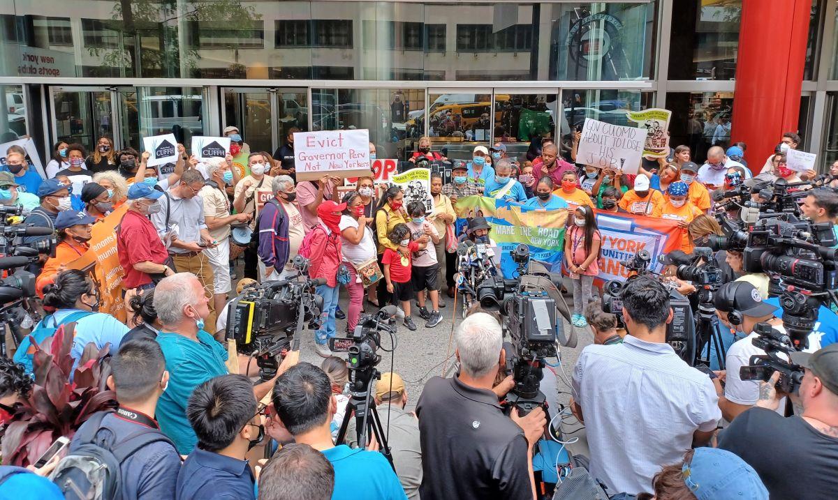 El 633 de la Tercera Avenida en Manhattan recibió una oleada de manifestantes.