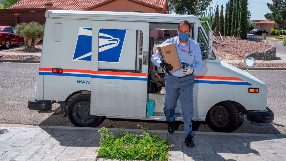 El Servicio Postal de los EE.UU. tuvo un aumento récord del 25% en el envío y el volumen de paquetes durante la temporada de fiestas del año pasado.