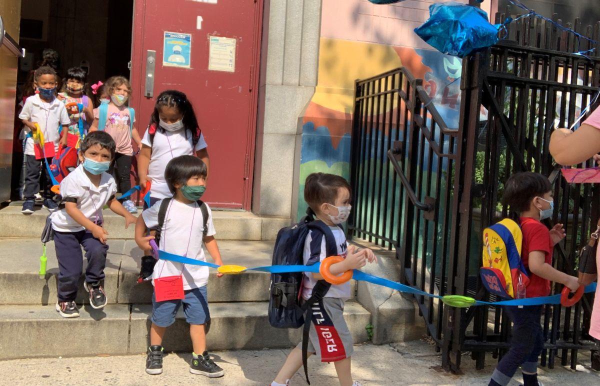Todos los niños mayores de 2 años deberán usar máscaras en los centros de cuido infantil regulados por el Estado.