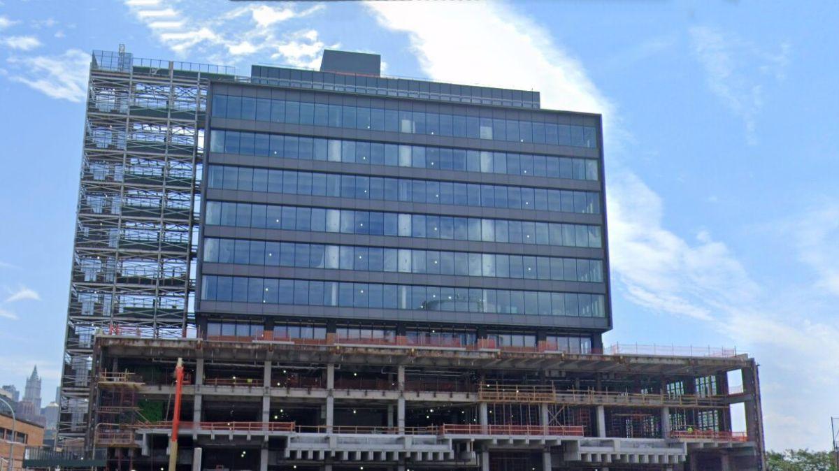 Actualmente, Google alquila el edificio St. John's Terminal, el cual se encuentra en el vecindario de Hudson Square en Manhattan.