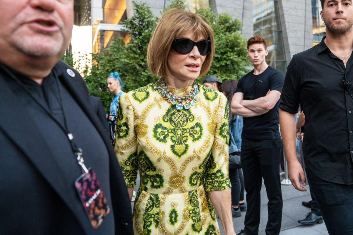 En la imagen aparece Anna Wintour, jefa de la edición estadounidense de la revista Vogue.