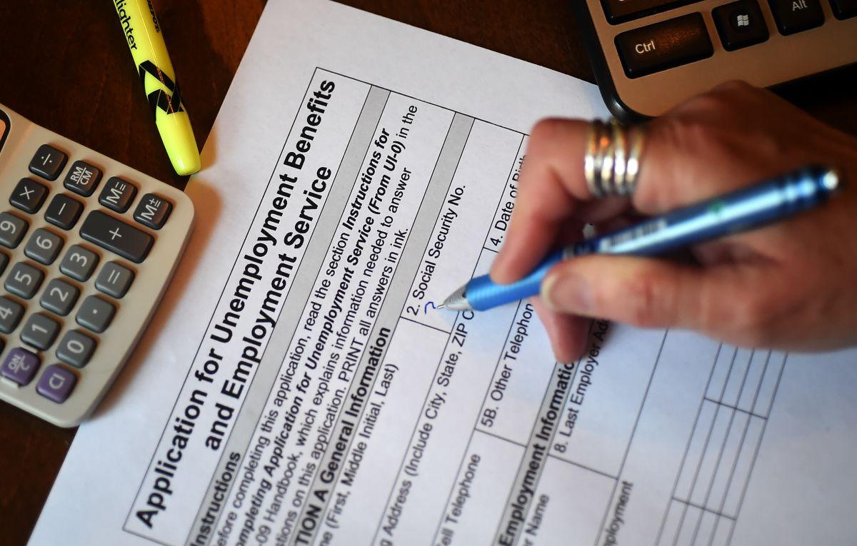 Se incrementan solicitudes de ayuda por desempleo en EE.UU.