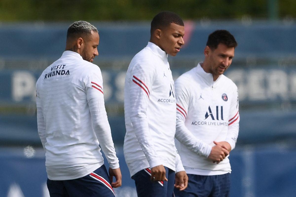 Messi, Neymar y Mbappé durante un entrenamiento del PSG