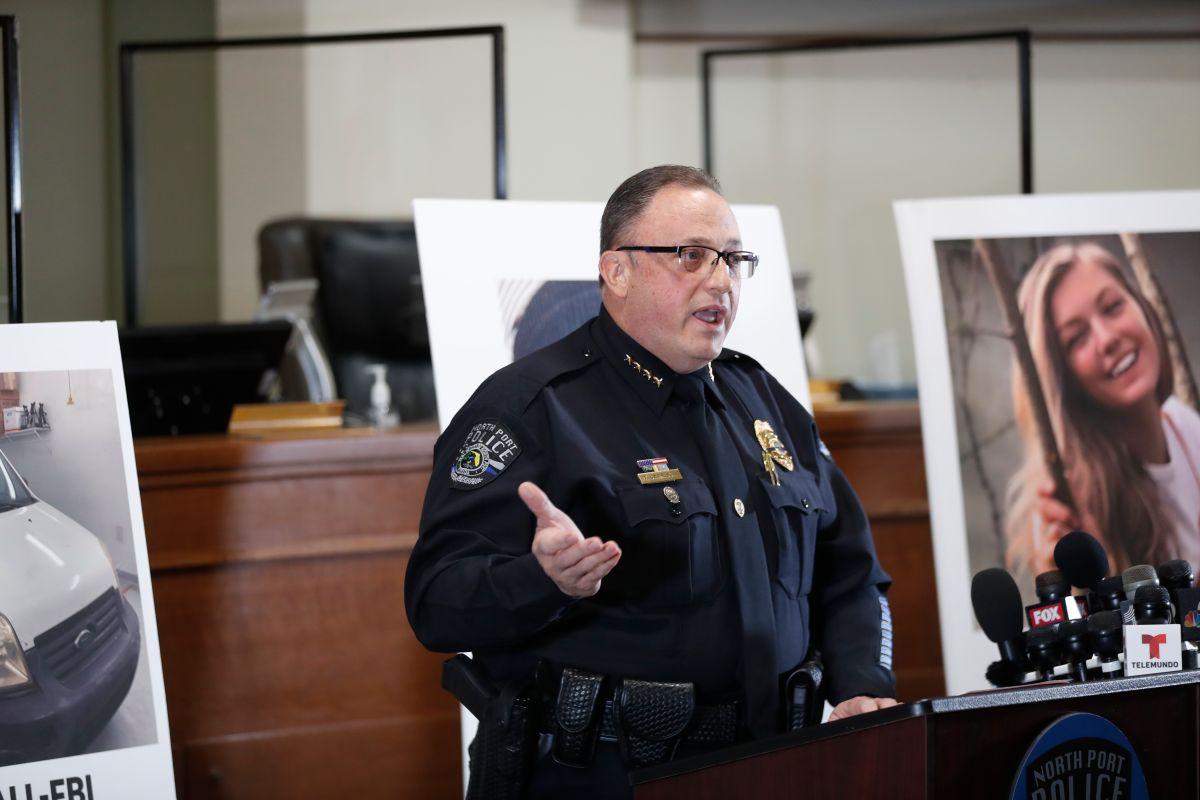 El jefe de la policía de North Port, Todd Garrison, en una conferencia de prensa sobre el caso Petito este jueves.