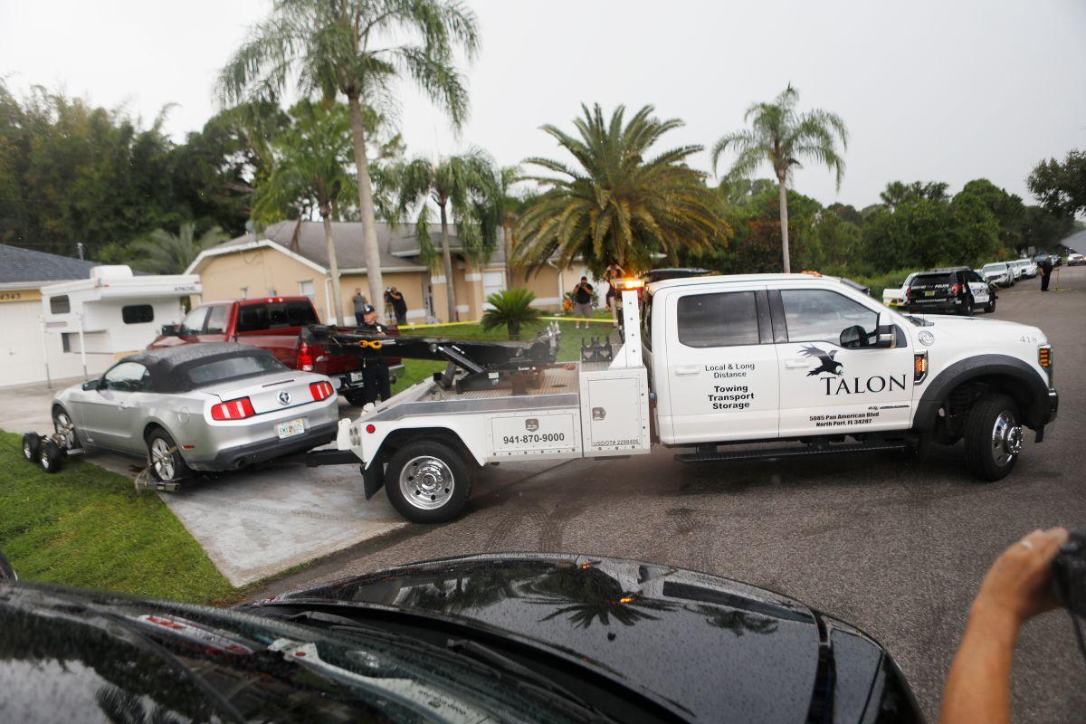 El allanamiento de las autoridades locales y federales en la vivienda de Brian Laundrie en North Port, Florida.