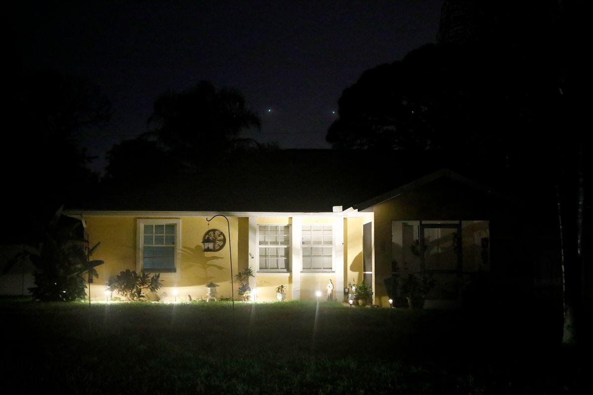 Autoridades locales y federales allanaron la vivienda de Brian Laundrie y sus padres en North Port, Florida.